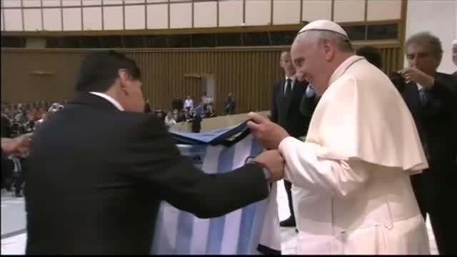 Diego&Robi in campo per la pace con Papa Francesco