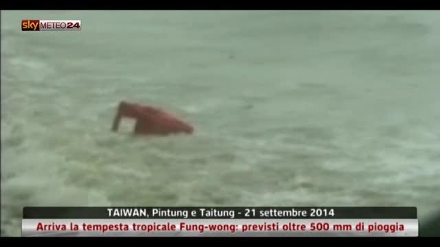 Taiwan, il passaggio della tempesta tropicale Fung-Wong