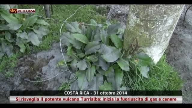 Costa Rica, si risveglia il potente vulcano Turrialba