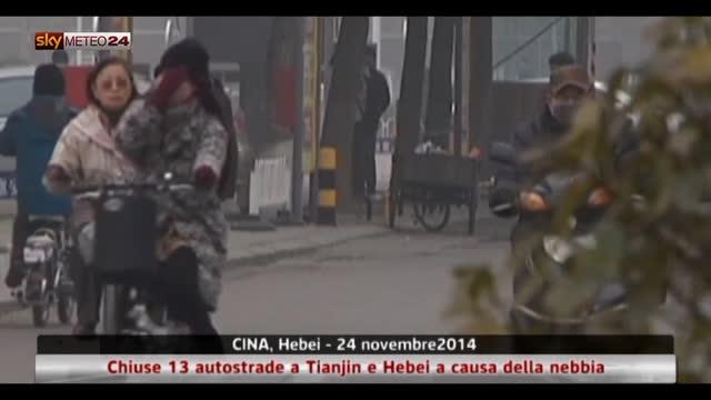 Cina, chiuse 13 autostrade a Tianjin e Hebei causa nebbia