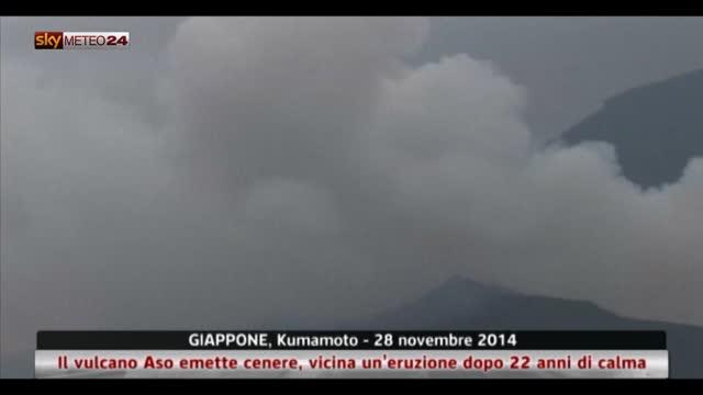 Giappone, vulcano Aso emette cenere: prevista eruzione
