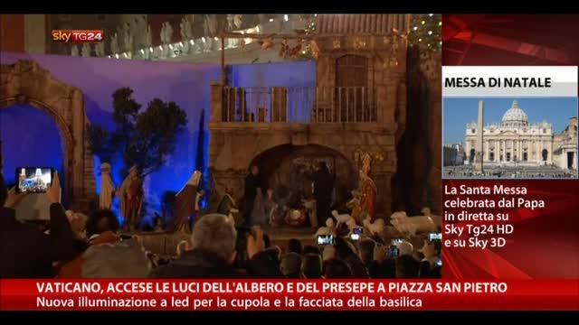 Vaticano, accese luci dell'albero e del presepe a San Pietro
