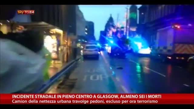 Incidente stradale in pieno centro a Glasgow, almeno 6 morti