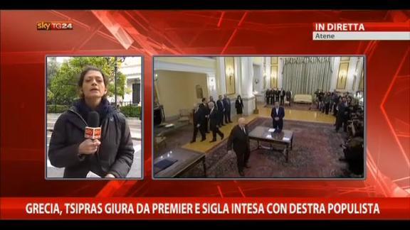 Tsipras giura da premier e sigla intesa con destra populista