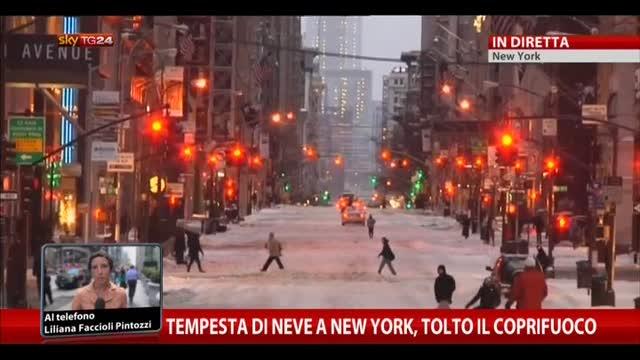 Tempesta di neve a New York, tolto il coprifuoco