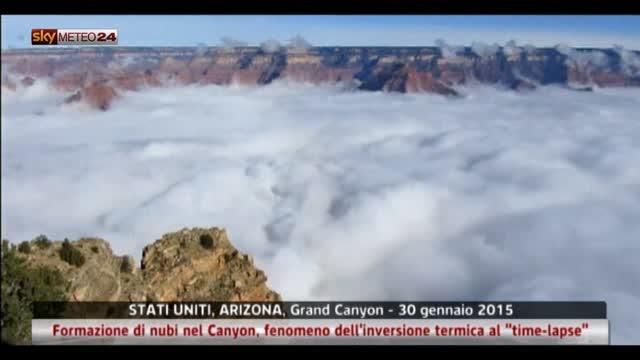 """Usa, spettacolare formazione nubi nel canyon al """"time-lapse"""""""