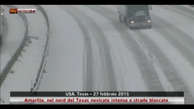 Texas, intense nevicate e strade bloccate