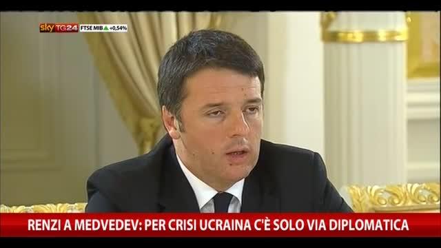 Renzi a Medvedev: per crisi Ucraina c'è solo via diplomatica