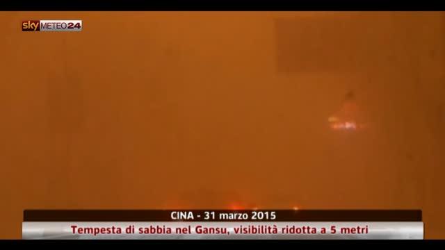 Cina, tempesta sabbia nel Gansu, visibilità ridotta