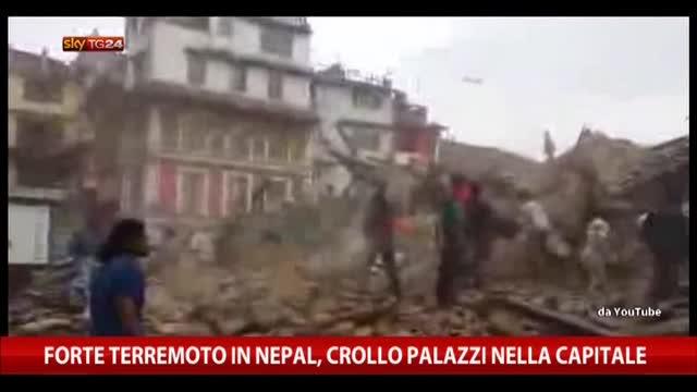 Forte terremoto in Nepal, crollo palazzi nella capitale