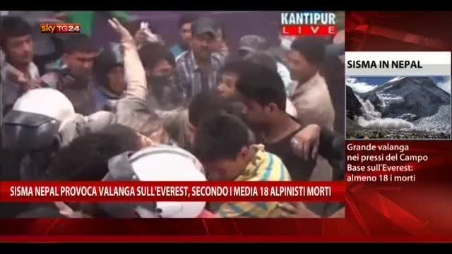 Sisma Nepal provoca valanga su Everest, 18 alpinisti morti