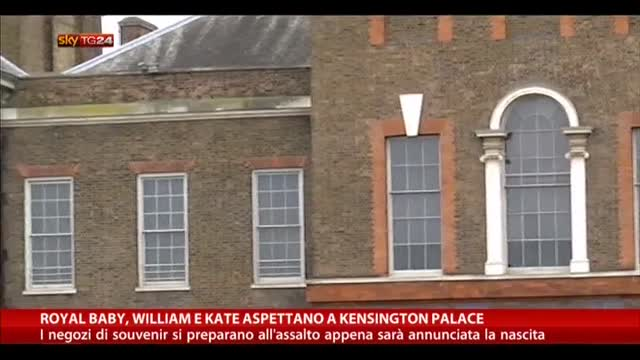 Royal baby, William e Kate aspettano a Kensington Palace