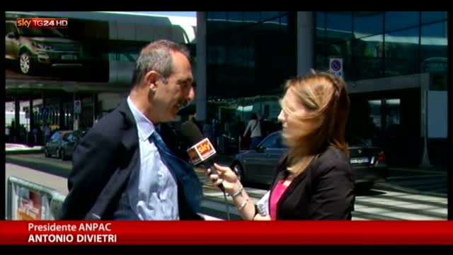 Alitalia, scioperano piloti e assistenti di volo
