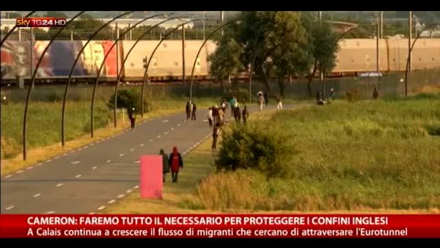 Calais, sempre alta la tensione vicino Eurotunnel