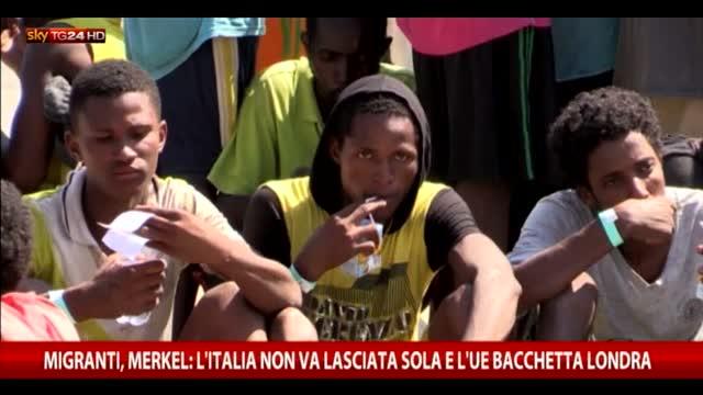Migranti, Merkel: c'è accordo, aiuti a Italia e Grecia
