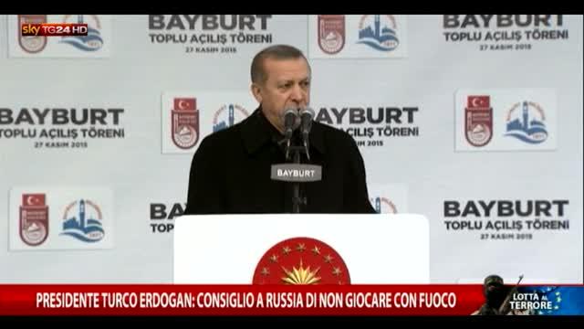 """Erdogan: """"Consiglio alla Russia di non giocare col fuoco"""""""