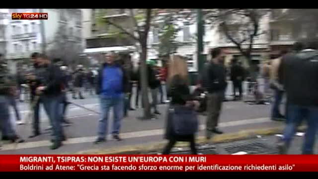 Boldrini: da Grecia sforzo enorme per richiedenti asilo