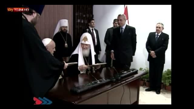 Papa Francesco e Kirill firmano dichiarazione congiunta