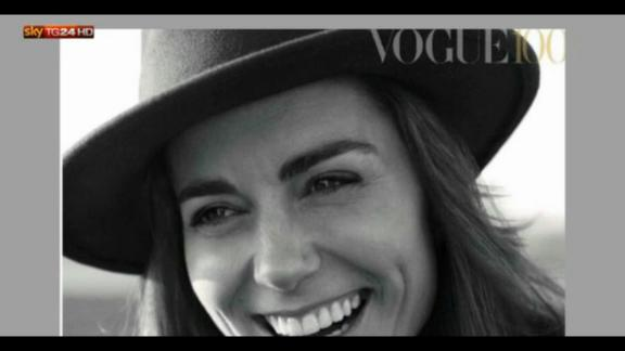 Londra, Kate visita la mostra di Vogue