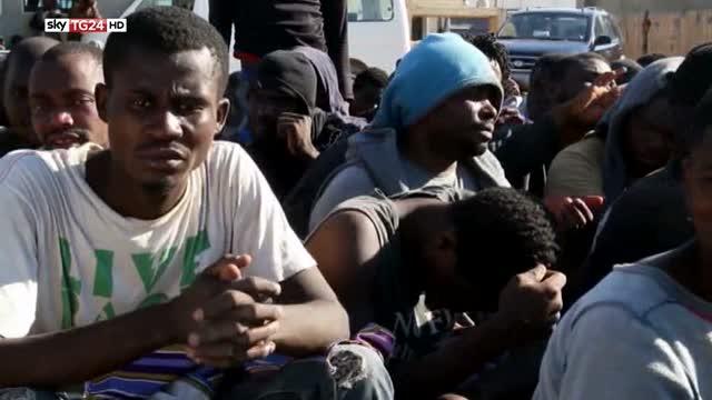 Libia, strage nel Mediterraneo: 41 corpi sulla spiaggia