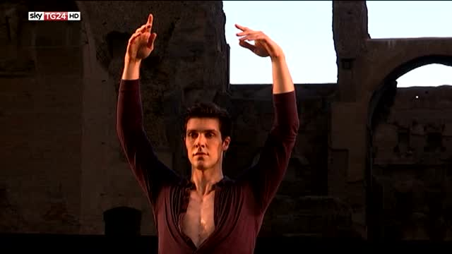 Danza, Roberto Bolle incanta Caracalla