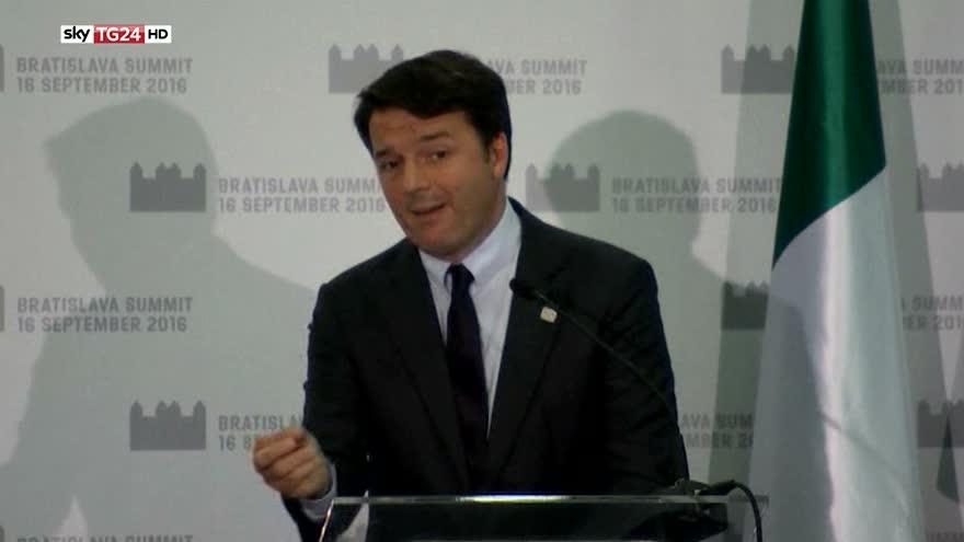Renzi, strappo con Merkel e Hollande dopo Bratislava