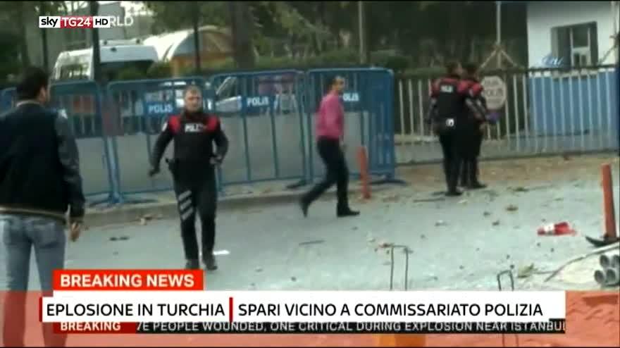 Istanbul, bomba davanti a commissariato: diversi feriti