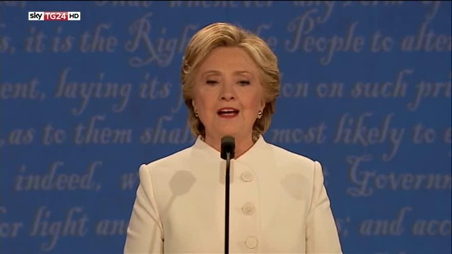 Clinton: con Trump nuova recessione