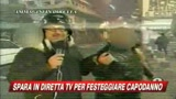 01/01/2009 - Capodanno a Napoli, immagini choc: spara in diretta tv