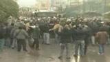 12/02/2009 - Rifiuti in Campania, usati capi ultrà contro la polizia