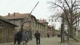 Allarme dalla Polonia: soldi per salvare Auschwitz