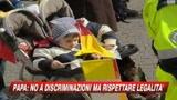 09/03/2009 - Il Papa: No a discriminazioni, ma serve legalità