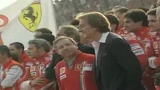 Jean Todt saluta la Ferrari