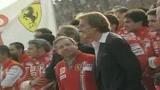 Jean Todt saluta la Ferrari