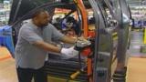 Auto, saltano i vertici di General Motors e Peugeot