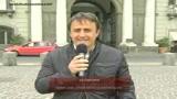 27/04/2009 - Napoli, Berlusconi contestato davanti alla prefettura