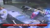 Napoli, rom ucciso in una sparatoria. C'è il video