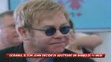Elton John in Ucraina è diventato... papà
