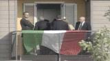 29/09/2009 - Abruzzo, Berlusconi nelle case consegnate agli sfollati