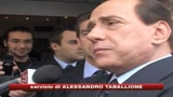 Se mi condannano non lascio. Il Pd contro Berlusconi