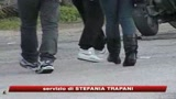 Evade dai domiciliari e spara
