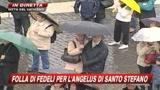 26/12/2009 - Angelus, Benedetto XVI: Amore poveri via evangelica