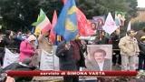 Roma, esuli iraniani di fronte all'ambasciata