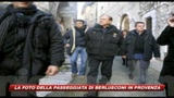 07/01/2010 - La prima foto di Berlusconi senza cerotti sul volto