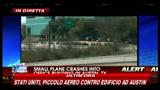 18/02/2010 - Texas, piccolo aereo da turismo contro edificio ad Austin