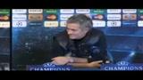 24/02/2010 - Mourinho, show prima del Chelsea, ma stavolta col sorriso