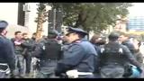 11/03/2010 - Boss dei Casalesi in cella, Polizia aggredita a Napoli