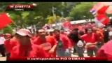 07/04/2010 - Thailandia, Camicie rosse assediano parlamento Bangkok