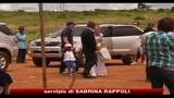 07/04/2010 - Madonna in Malawi insieme con i figli inaugura scuola