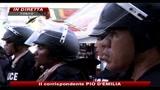 08/04/2010 - Stato di emergenza in thailandia, ministri in fuga